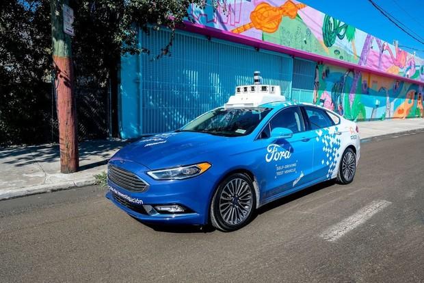 Ford odkládá své robotaxi na rok 2022. Důvodem je koronavirus