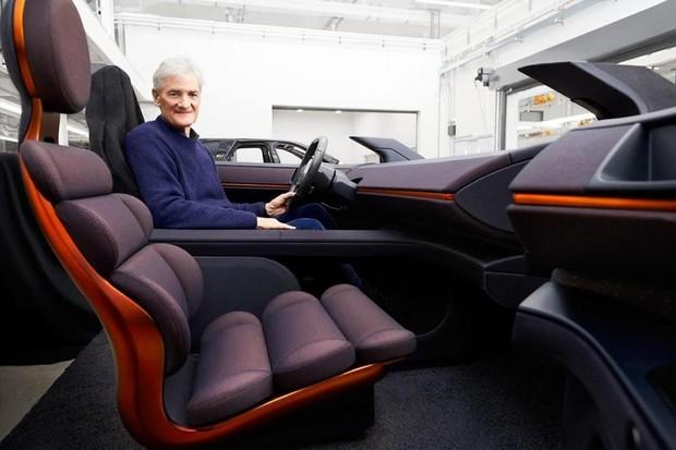 Dyson ukázal elektrické SUV s dojezdem téměř 1 000 km z ukončeného projektu
