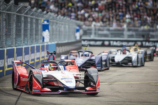 Jaké jsou možnosti šampionátu formule E na dokončení letošní sezóny?