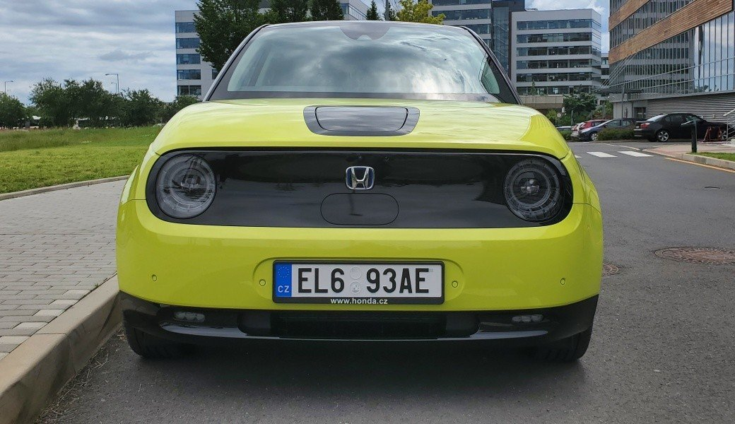 Unikátní elektrická Honda e je v Česku. Svezli jsme se s ní