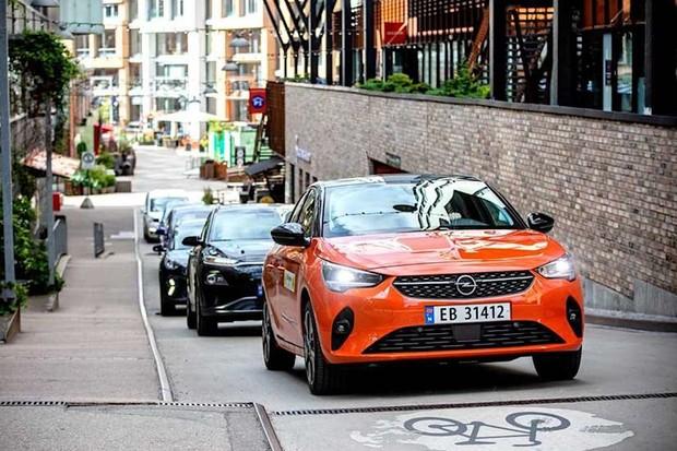Norsko prodlouží úlevu na DPH při nákupu aut s nulovými emisemi o další dva roky