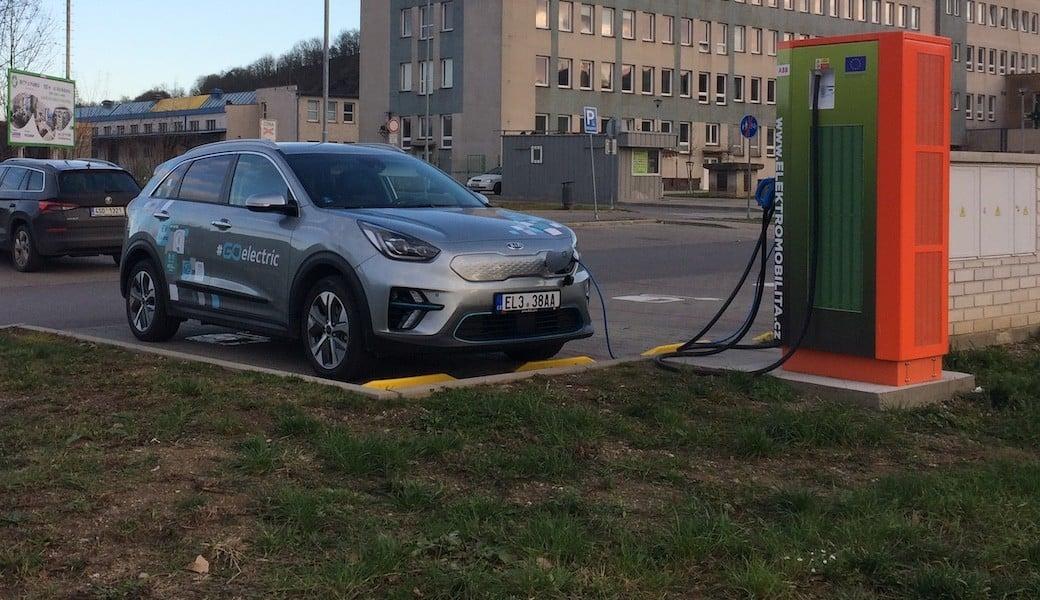 Jak moc úsporná umí být Kia e-Niro na českých silnicích?  Zjistili jsme to