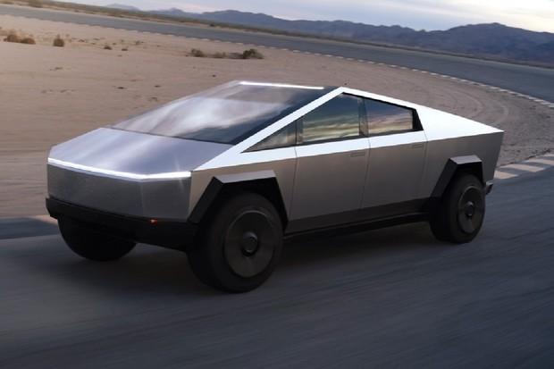 Replika Tesly Cybertruck je plně pojízdná. Bude mít Musk připomínky?
