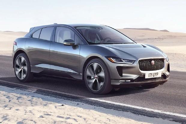Jaguar vylepšil I-PACE. Nabídne silnější nabíječku a nový infotainment