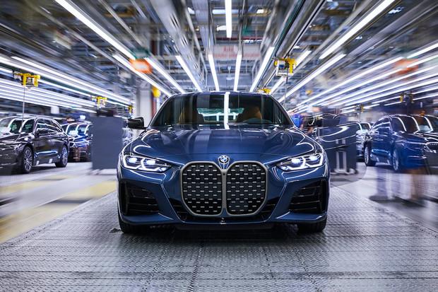 V německém Dingolfingu začala výroba pěti nových BMW. Většina budou mild-hybridy