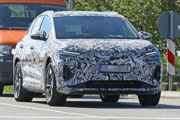 Audi Q4 e-tron se povedlo odchytit v běžném provozu. Výkon přesáhne 300 koní