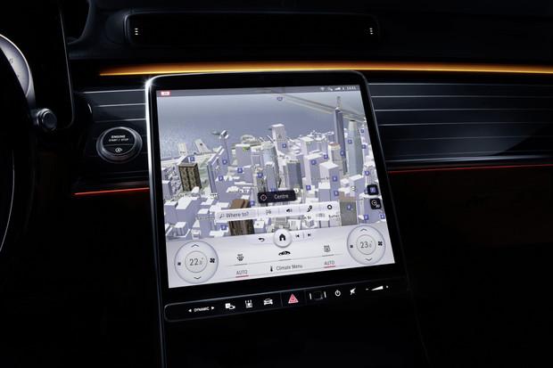 Mercedes ukázal systém nové třídy S. Přinese i rozšířenou realitu