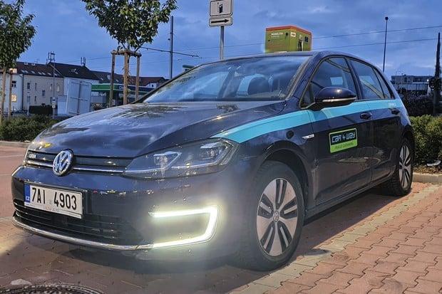 CAR4WAY končí v carsharingu s e-Golfy, v půjčovně jsou dále