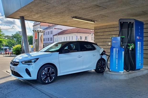 Jak rychle se nabíjí elektromobil Opel Corsa-e?
