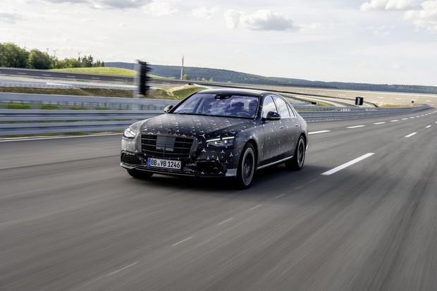 Mercedes chystá pecku. Mild-hybridní třídu S s více než 800 koňmi