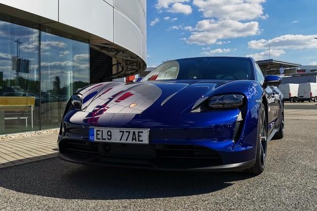 Porsche Taycan přináší ve spolupráci sApplem dárek pro milovníky podcastů