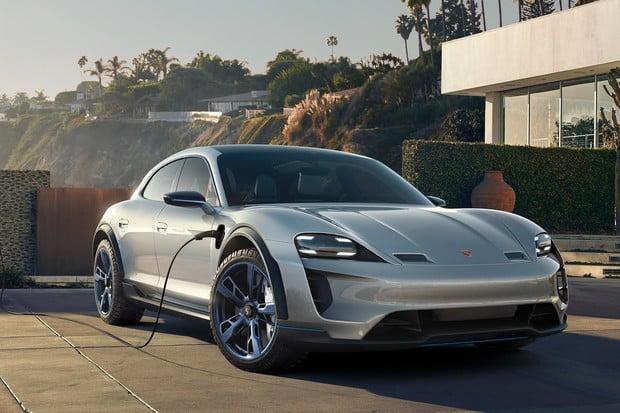 Porsche hlásí zpoždění: Mission E Cross Turismo dorazí nejdříve v roce 2021
