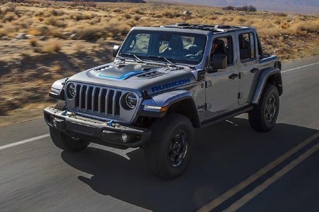 Jeep Wrangler 4xe je tady. Na elektřinu ujede poměrně dost