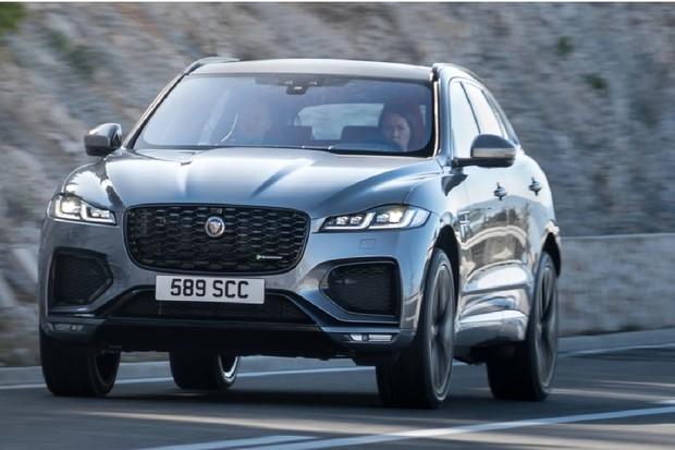 Jaguar F-PACE dostal facelift. Potěší solidním dojezdem čistě na elektřinu