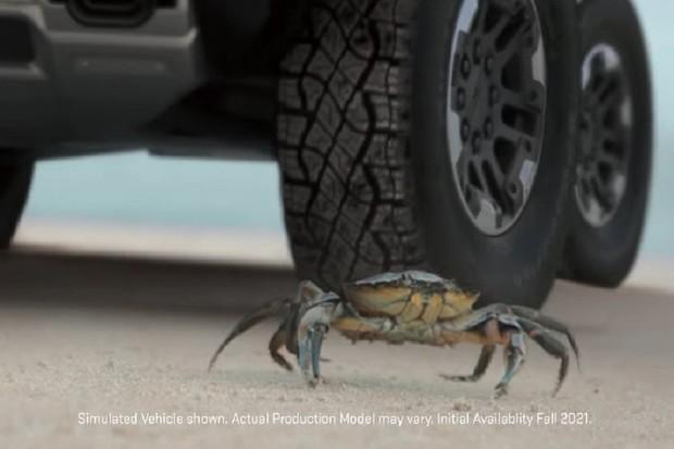 """Chystaný Hummer dostane speciální """"krabí režim"""" a plně elektrické ústrojí"""