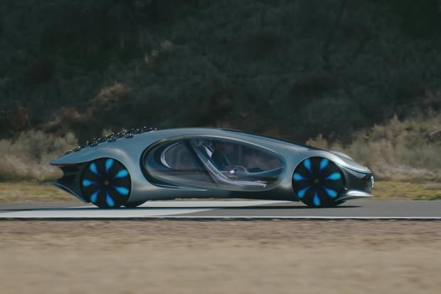Mercedes ukázal, jak se řídí koncept. Má připomínat víc organismus než auto