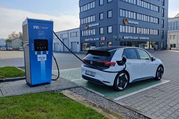 Německý ADAC měřil reálnou spotřebu elektromobilů. Jak to dopadlo?