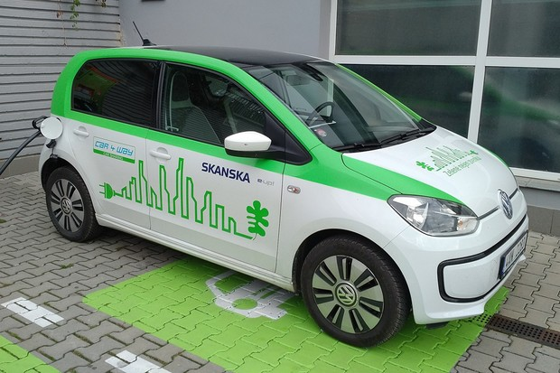 Elektromobilita je životní styl, běžného uživatele zatím čeká nemálo nástrah