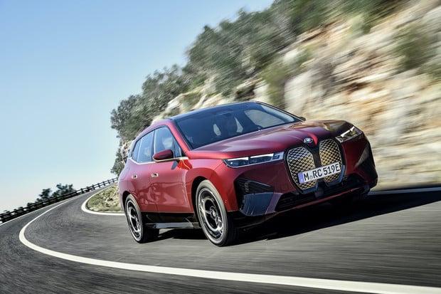 BMW slaví 10 let elektromobility, rozjíždí k tomu kampaň na sociálních sítích