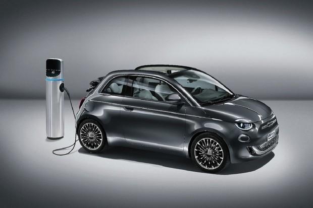 Fiat 500e přichází do prodeje s UV lampou a vysokotlakým filtrem