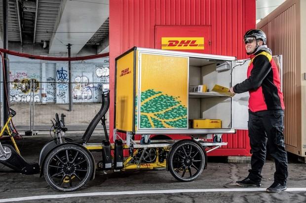 Do Prahy vyjela nákladní elektrokola. Město otevřelo cyklodepo