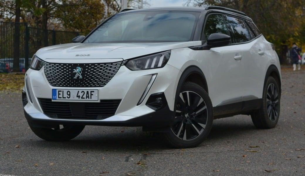 Jaký má Peugeot e-2008 praktický dojezd po Česku za nízkých teplot?