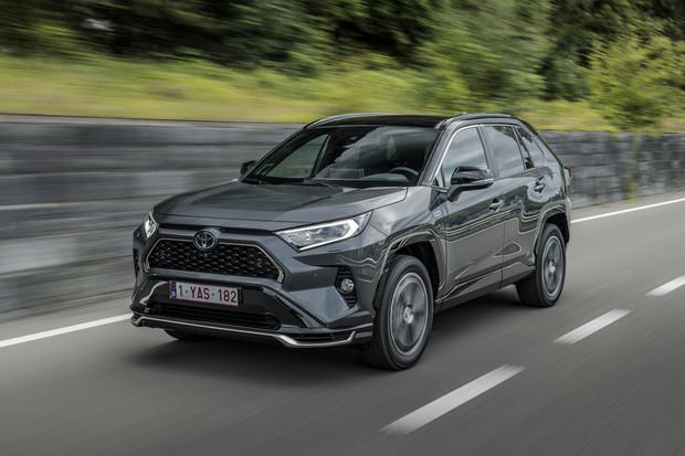 Toyota RAV4 Plug-in hybrid přijíždí do Česka