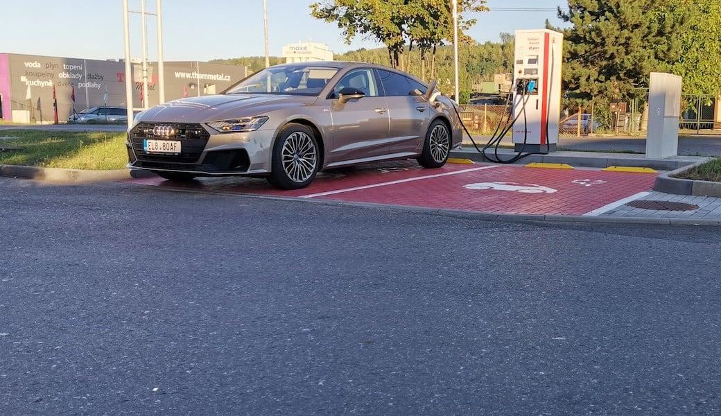 Spotřeba benzínu a elektrický dojezd plug-in hybridu Audi A7 55TFSI e