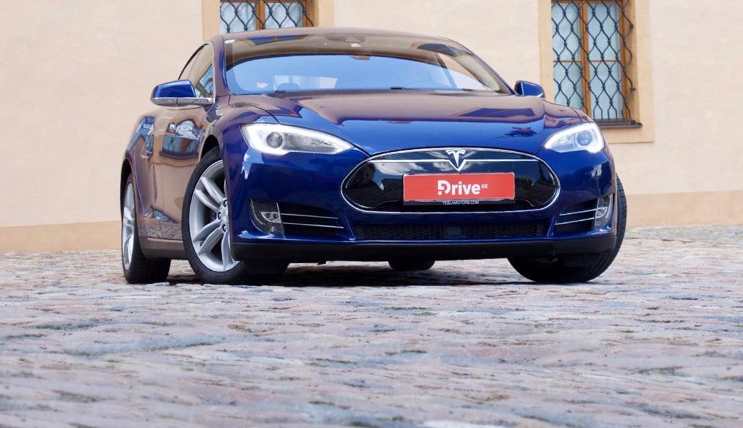 Tesla Model S 70D