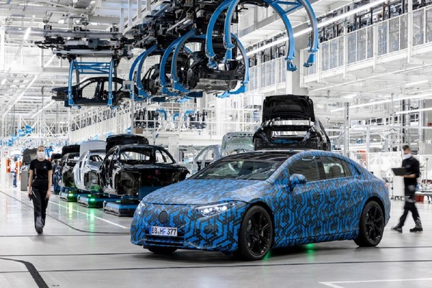 Mercedes-Benz odhaluje několik nových prototypů elektromobilů