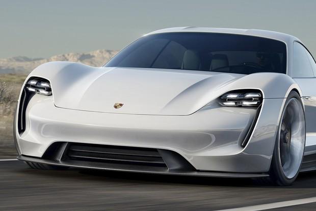 Zapomeňte na Mission E. Ryze elektrické Porsche se bude jmenovat Taycan