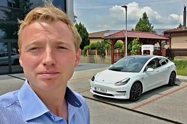 Jak rychle se nabije Tesla Model 3 Performance na Superchargeru v2?