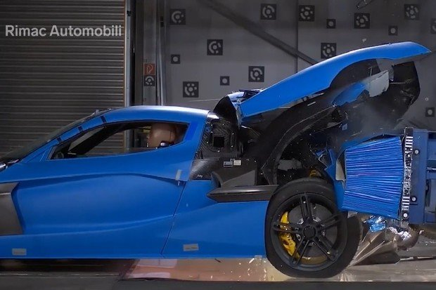 Náraz za 40 milionů Kč. Podívejte se na crash test elektromobilu Rimac