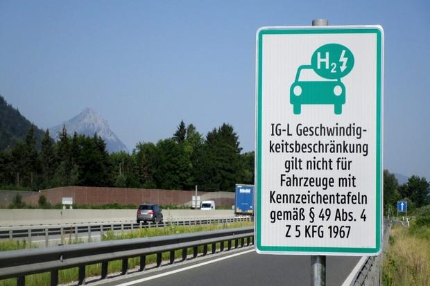 V Rakousku už můžete jezdit i s českým elektromobilem rychleji