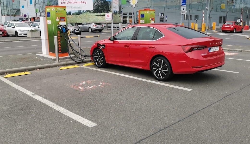 Spotřeba benzínu a elektrický dojezd plug-in hybridu Škoda Octavia iV