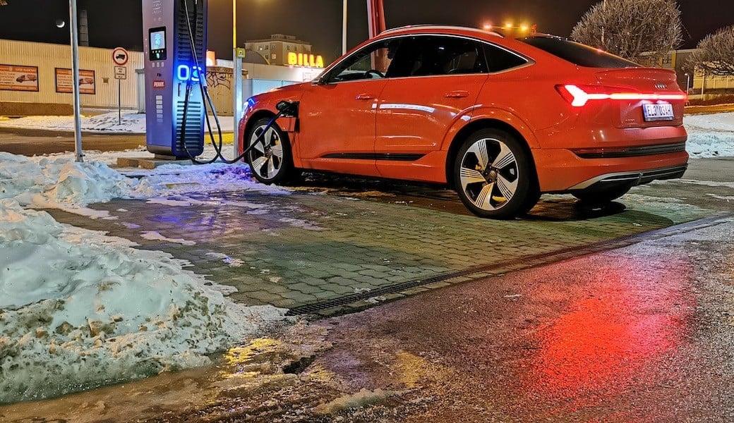 Reálný dálniční dojezd Audi e-tron Sportback v zimě