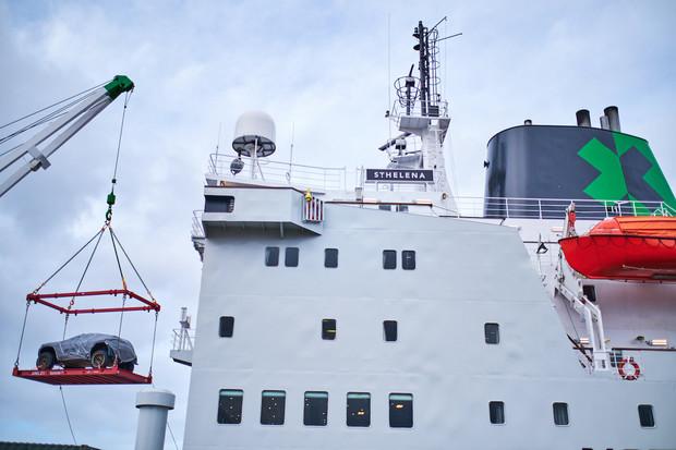 Loď s vozy Extreme E vyplula do Saudské Arábie. Takto probíhaly přípravy