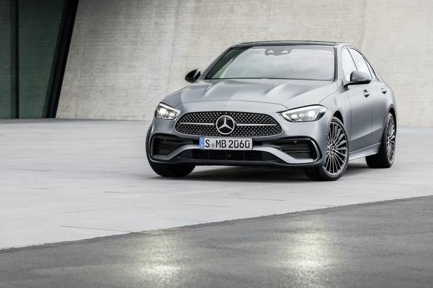Nový Mercedes třídy C nabídne plug-in hybridní pohon s elektrickým dojezdem 100 km