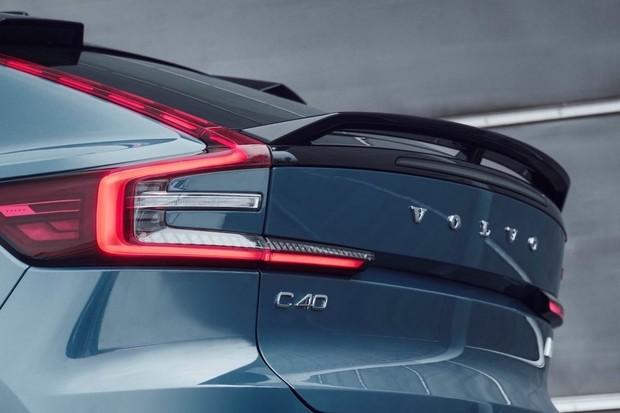 Volvo bude po roce 2030 vyrábět pouze elektromobily a bude je prodávat jen online