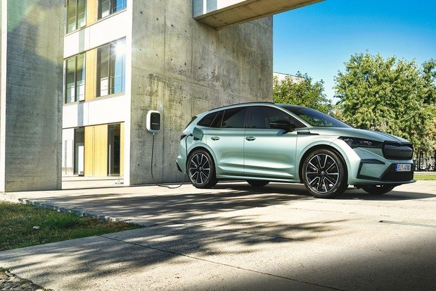 Škoda Auto spouští provoz služby Powerpass pro dobíjení elektrifikovaných vozů