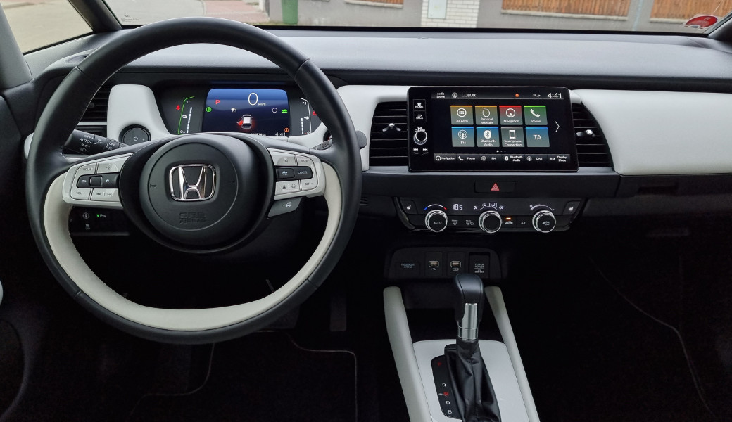 Honda Jazz e:HEV a její chytré technologie