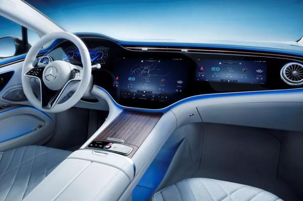"""56"""" Hyperscreen v Mercedesu EQS má pohánět supervýkonný počítač s 24 GB RAM"""