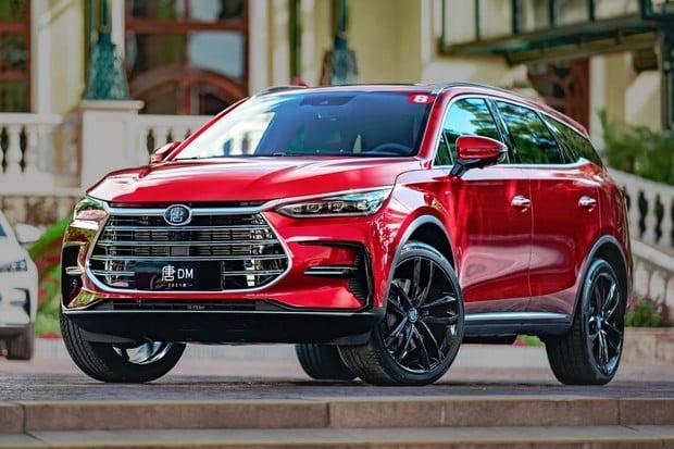 Zahájení prodeje čínského elektromobilu v Evropě se zpozdilo, ovšem blíží se