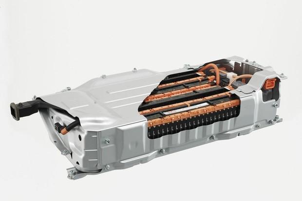 Toyota vyvinula hořčíkovou baterii pro elektromobily. Nabídne několik výhod