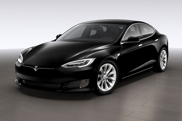 Tesla svolává 123 tisíc Modelů S. Důvodem je reznutí šroubů