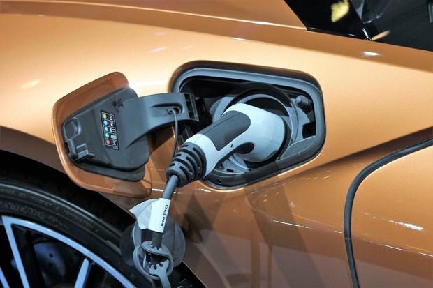 Jste majiteli elektromobilu nebo plug-in hybridu? Vyhrajte snámi tablet Lenovo!