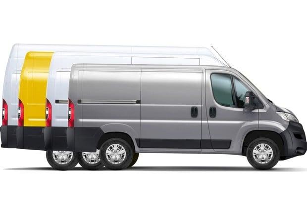 Opel Movano se převlékl do koncernových barev. A bude jezdit i na elektřinu