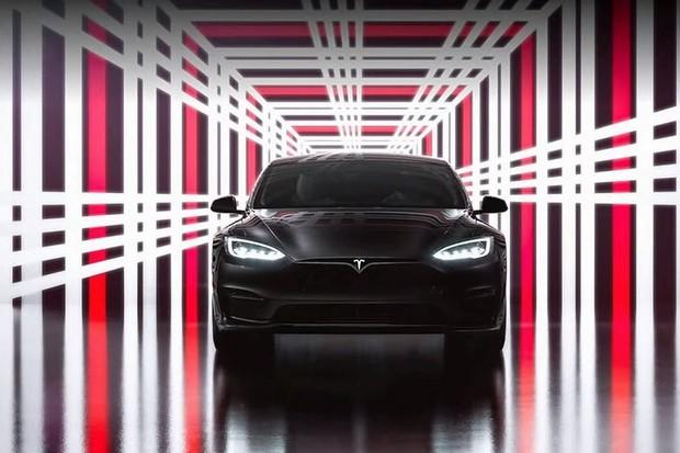 Zmodernizovaná Tesla Model S podle EPA dojede dál. I s menší baterií