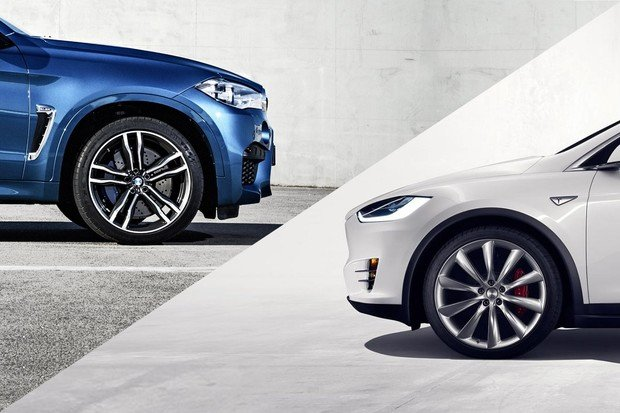 Souboj mohutných sprinterů: BMW X6 M vs. Tesla Model X P100D
