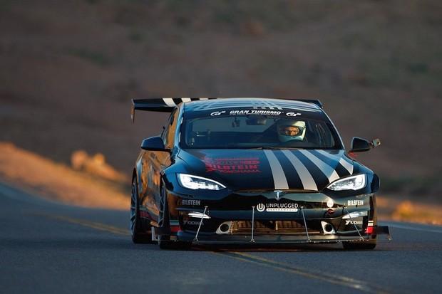 První medaile pro Teslu Model S Plaid: vítězství ve třídě na Pikes Peak